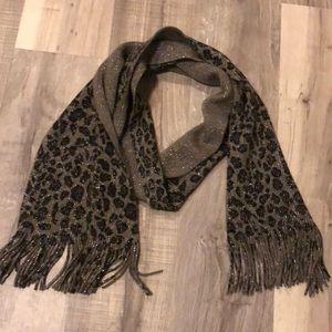 Leopard winter scarf
